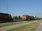 BNSF 8040 west meets 5112 east